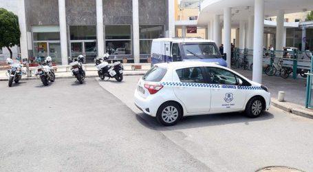 Οδηγούνται στον ανακριτή οι συλληφθέντες για τη ληστεία στο ΑΧΕΠΑ