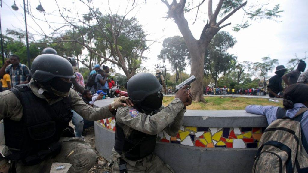Βιαια επεισοδια αστυνομιας - στρατου στην Αϊτή