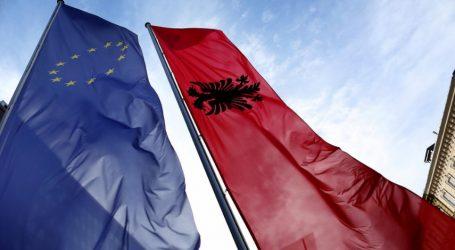 Γαλλία- Ολλανδία αντιμετωπίζουν με επιφυλακτικότητα την έναρξη ενταξιακών διαπραγματεύσεων με Αλβανία και πΓΔΜ