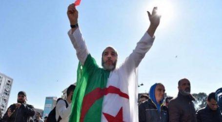 Αλγερία: Χιλιάδες διαδηλωτές ζητούν την παραίτηση του Μπουτεφλίκα