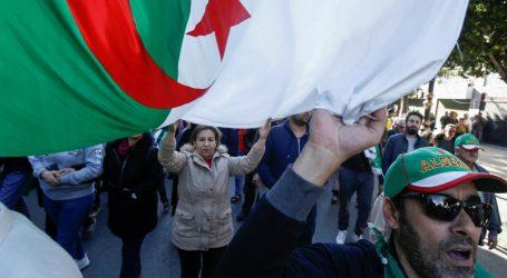 Αλγερία: Ο Αμπντελμαζίντ Τεμπούν εξελέγη πρόεδρος της χώρας