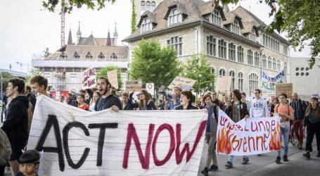 Διαδηλωτές στους δρόμους ευρωπαϊκών πόλεων για τη διάσωση του Αμαζονίου