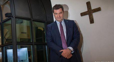 """Βαυαρία: Με σταυρό """"σε εμφανές σημείο"""" στην είσοδο όλα τα δημόσια κτίρια"""