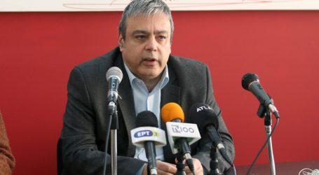 Βερναρδάκης: Δημοσιογράφοι και πολιτικοί αναπαράγουν μαζικά fake news και δηλητηριάζουν τον δημόσιο λόγο
