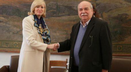 Συνάντηση Βούτση με την Ευρωπαία Διαμεσολαβήτρια Ο' Ρέιλι