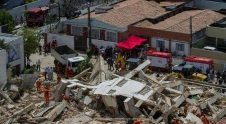 Βραζιλία: Πέντε σοροί ανασύρθηκαν από τα ερείπια επταώροφης πολυκατοικίας που κατέρρευσε