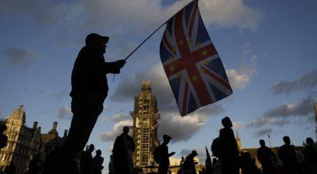 Βρετανία | Δημοσκόπηση: Στις 18 μονάδες η διαφορά Τόρις – Εργατικών