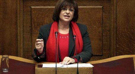 Μανωλάκου: Το ΚΚΕ καταψηφίζει την κυβέρνηση και καλεί τον λαό να κάνει το ίδιο