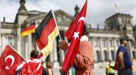 DW: Αναζωπύρωση της γερμανοτουρκικής κρίσης;