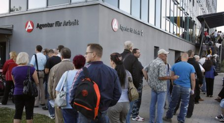 ΗΠΑ: Κοντά σε χαμηλό μισού αιώνα τα επιδόματα ανεργίας
