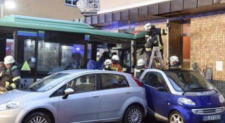 Γερμανία: Σύγκρουση σχολικού λεωφορείου- Τουλάχιστον 48 τραυματίες