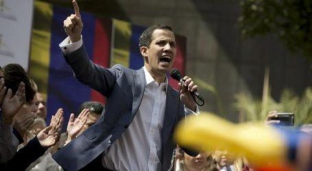 Βενεζουέλα: Απελευθερώθηκε ο πρόεδρος της Βουλής, Χουάν Γκουάιντο