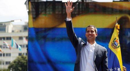 Βενεζουέλα | Ο Γκουαϊδό ανακοίνωσε ότι επιστρέφει και καλεί σε νέες διαδηλώσεις