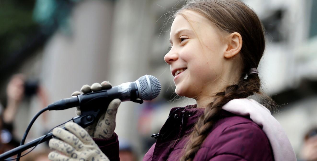 Η Γκρέτα Τούνμπεργκ στη Λωζάνη διαδηλώνει κατά των κλιματικών αλλαγών μαζί με χιλιάδες νέους