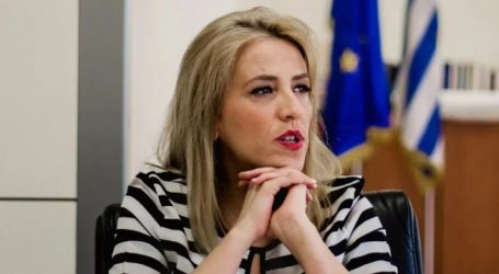 Δούρου: Κάποιος να ενημερώσει τον Μητσοτάκη ότι το έργο Ελευσίνα-Υλίκη υλοποιείται από την Περιφέρεια Αττικής