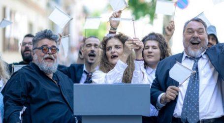 «Εκκλησιάζουσες – Η λαϊκή οπερέτα» παρουσιάζει ο Σταμάτης Κραουνάκης