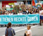 Ελβετία: Διαδήλωση για τα δικαιώματα των ζώων (vid)