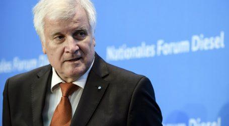 Συμφωνία με την Ιταλία για τους προσφυγικό ανακοίνωσε ο Ζεεχόφερ