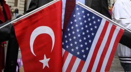 Bloomberg: Οι ΗΠΑ επεξεργάζονται τρεις δέσμες κυρώσεων κατά της Τουρκίας