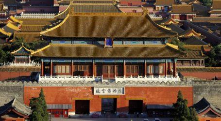 Εκθεση με έργα τέχνης από το Μουσείο Πέτερχοφ της Αγίας Πετρούπολης εγκαινιάσθηκε στο Θερινό Παλάτι του Πεκίνου