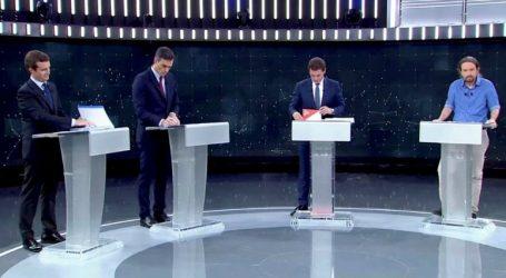 El Pais: Κυριάρχησε στο debate ο πόλεμος για την ηγεμονία της Δεξιάς