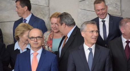 Συναντήσεις Καμμένου με ομολόγους του στο περιθώριο της άτυπης συνόδου του ΝΑΤΟ