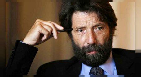 Κατσιάρι: Χρειάζεται συμμαχία της ιταλικής αριστεράς με τον Μακρόν και τον Τσίπρα