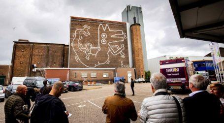 Αποκαλύφθηκε ξανά η τοιχογραφία του Κιθ Χάρινγκ στο Άμστερνταμ