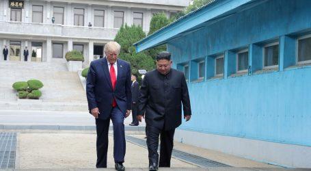 Πιονγκγιάνγκ: Ιστορική και εξαιρετική η συνάντηση Κιμ – Τραμπ