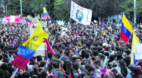 Κολομβία: Συνεχίζονται οι μαζικότατες διαδηλώσεις κατά της κυβέρνησης Ντούκε