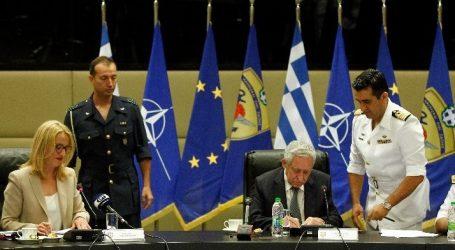 Σύμβαση για την προμήθεια εξοπλισμού των στρατιωτικών νοσοκομείων της Αττικής υπέγραψαν οι Κουβέλης και Δούρου