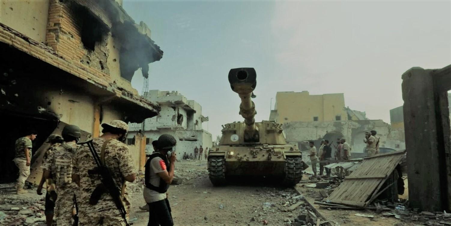 Λιβύη: Οι δυνάμεις του Χάφταρ ανακοίνωσαν κατάπαυση του πυρός – Αλληλοκατηγορίες για παραβίαση της εκεχειρίας