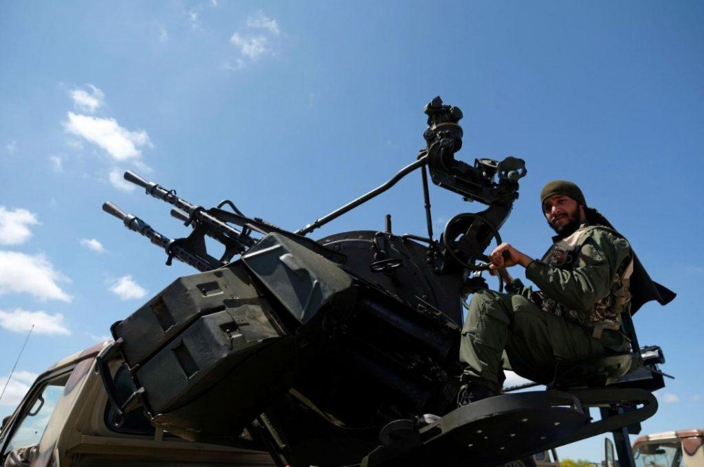 μαχητής του Λιβυκού Εθνικού Στρατού (ΛΕΣ)