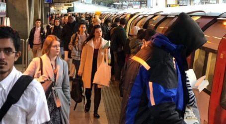 Λονδίνο: Διαδηλωτές κατά της κλιματικής αλλαγής διέκοψαν τη λειτουργία σιδηροδρομικών υπηρεσιών (vids)