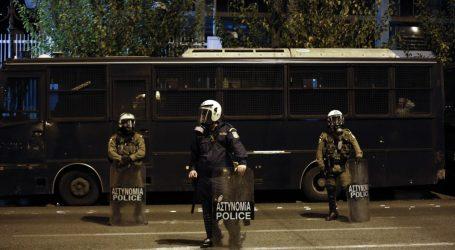 Εξάρχεια: Επιθέσεις με πέτρες και μολότοφ κατά αστυνομικών