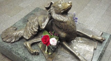 Ρωσία: Ένα άγαλμα για τον Μάλτσικ στο μετρό της Μόσχας