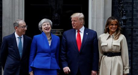 Στη Βρετανία ο Τραμπ | «Θετική εξέλιξη το Brexit – Εμπορική συμφωνία μετά την ολοκλήρωση» – Διαδηλώσεις σε όλη τη χώρα (vid & pics)