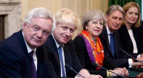 Βρετανία: Ανασχηματισμός της κυβέρνησης Μέι με φόντο τα σκάνδαλα