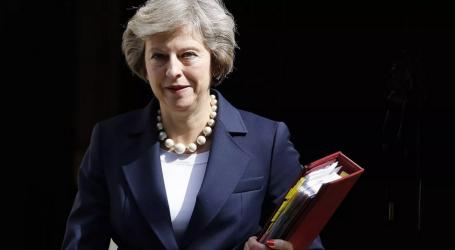 Μέι: Η ΕΕ και η Βρετανία είναι δεσμευμένες στην επιτάχυνση των συνομιλιών για το Brexit