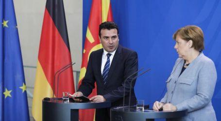 Στα Σκόπια το Σάββατο η Μέρκελ για συνάντηση με τον Ζάεφ