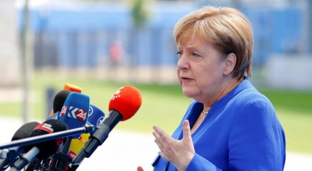 Μέρκελ: «Σωστές» οι μεταρρυθμίσεις στον ευρωπαϊκό νότο, τεράστιο το βάρος για τον λαό