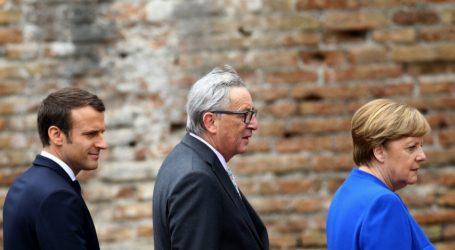 """Σκληραίνει η κόντρα Κομισιόν-Παρισιού με το Βερολίνο – Η Μέρκελ """"φρενάρει"""" τις μεταρρυθμίσεις στην ΕΕ και θέλει έγκριση της γερμανικής Βουλής – Ανησυχία στην Αθήνα"""
