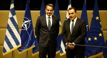 Το αξιόμαχο των Ενόπλων Δυνάμεων και το υψηλό ηθικό του στρατεύματος εξήρε ο Μητσοτάκης