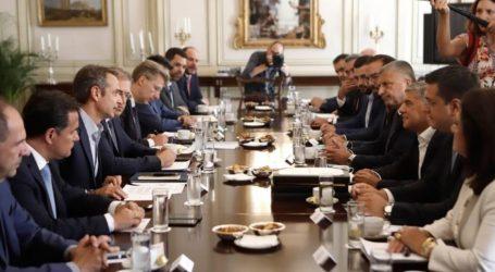 Η επιτάχυνση ΕΣΠΑ στο επίκεντρο συνάντησης Μητσοτάκη με τους 13 περιφερειάρχες