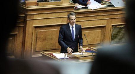 Στη Βουλή ο Μητσοτάκης για την «ώρα πρωθυπουργού»