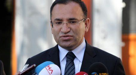 Μποζντάγ: Δεν είμαστε ούτε υπέρ ούτε εναντίον κάποιας χώρας στη Συρία