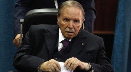 Ο Μπουτεφλίκα ζητά συγγνώμη από τους Αλγερινούς