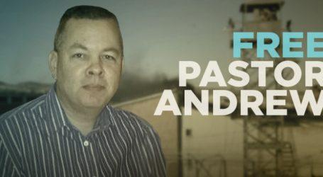 Τουρκικό δικαστήριο αποφάσισε συνέχιση της κράτησης του αμερικανού πάστορα