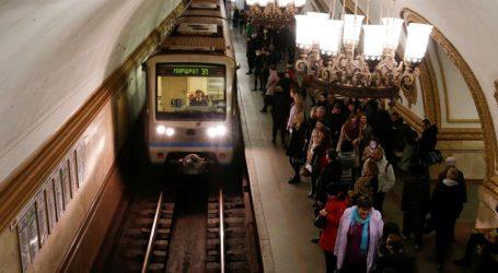 Η τροχαία της Μόσχας ζητά από τους πολίτες να χρησιμοποιούν τις δημόσιες συγκοινωνίες τις ημέρες των εορτών