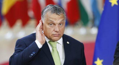 Ευρωβουλευτής του Fidesz: Θα εκπλαγώ αν ο Όρμπαν συμμορφωθεί με τους όρους του ΕΛΚ